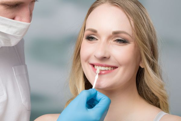 What To Expect When Getting Dental Veneers [Cosmetic Dentist]